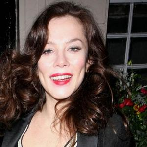 Anna Friel Feels Safe With Rhys Ifans