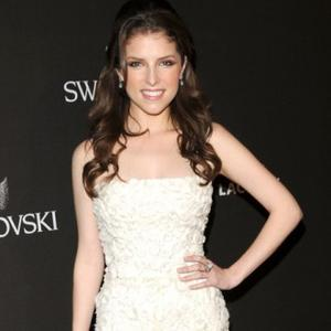 Anna Kendrick's Chilly Wedding Woes