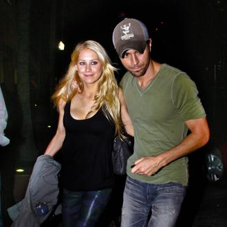 Enrique Iglesias has not introduced Anna Kournikova to his dad