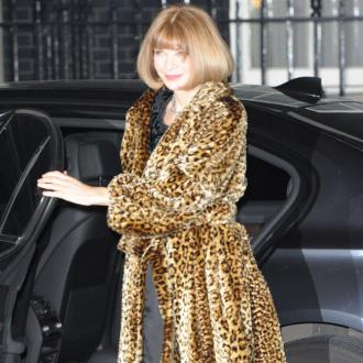 Anna Wintour gets £200,000 clothing allowance