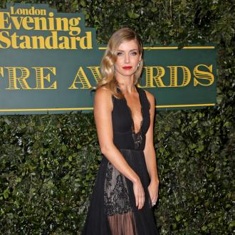Annabelle Wallis feels 'naked' without mascara