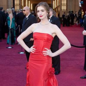 Anne Hathaway 'On 500 Calorie Diet'