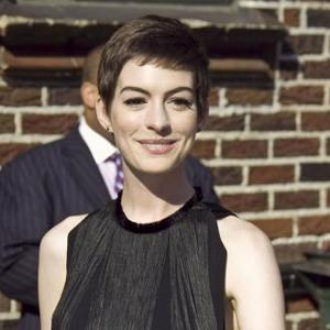 Anne Hathaway 'Inconsolable' After Haircut