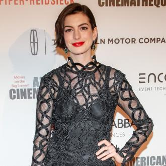 Anne Hathaway calls for end to 'white privilege'