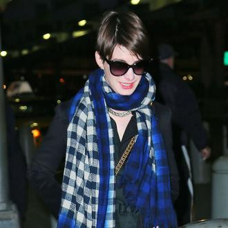 Anne Hathaway Cheered By Pregnant Pal