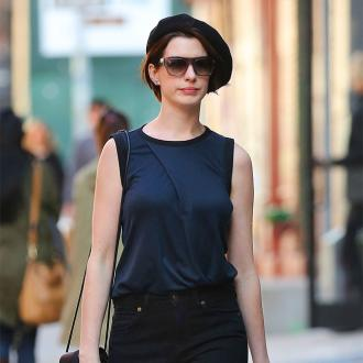 Anne Hathaway wants to be like Jessica Chastain