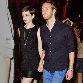 Anne Hathaway Weds Adam Shulman