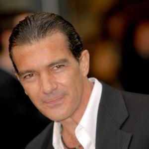 Protective Dad Antonio Banderas