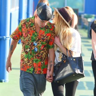 Ashlee Simpson Marries Evan Ross