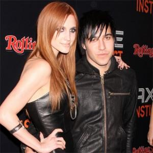 Ashlee Simpson And Pete Wentz Holding Hands?