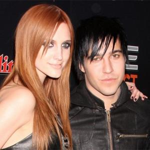 Ashlee Simpson And Pete Wentz To Divorce