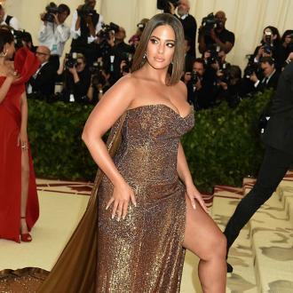 Ashley Graham starstruck by JLo