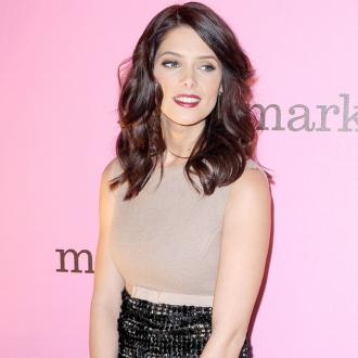 Ashley Greene Has Drunk Twitter Rule