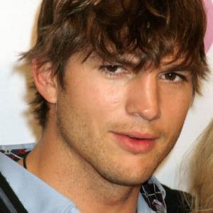Ashton Kutcher Has Killer Connection