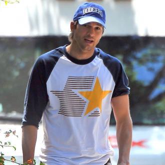 Ashton Kutcher Sets Up Baby Change Petition