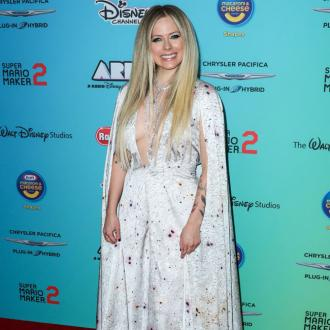 Avril Lavigne announces charity single