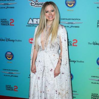 Avril Lavigne announces special Lyme disease benefit concert