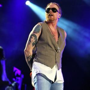Axl Rose Suing Ex-manager
