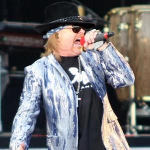 Axl Rose Booed At Rock And Roll Hall Of Fame Ceremony