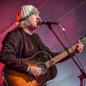 Badly Drawn Boy marks five years of sobriety