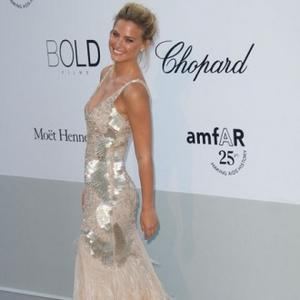 Bar Refaeli To Star In Fashion Reality Show