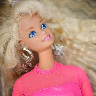 Barbie to hit big screen in live-action comedy