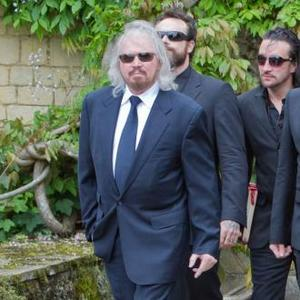 Barry Gibb To Honour Brothers On Tour