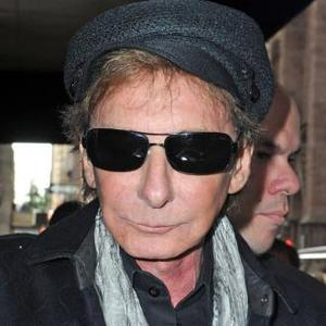 Barry Manilow Is Much Better After Surgery