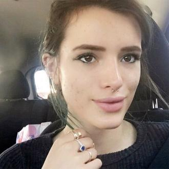 Bella Thorne posts no make-up selfie