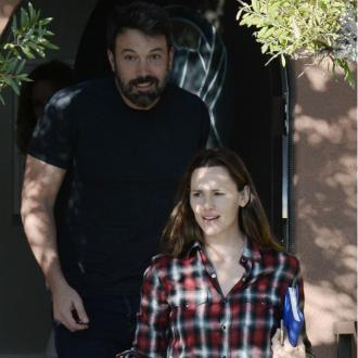 Jennifer Garner and Ben Affleck reunite for holiday
