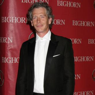 Ben Mendelsohn's wife files for divorce