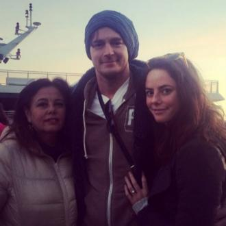 Kaya Scodelario and Benjamin Walker get engaged