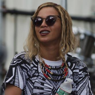 Beyoncé'S Bob Branded 'Dated' By Hairstylist