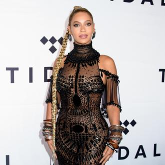 Beyonce's Daughter Is The 'Best Big Sister' To Twins