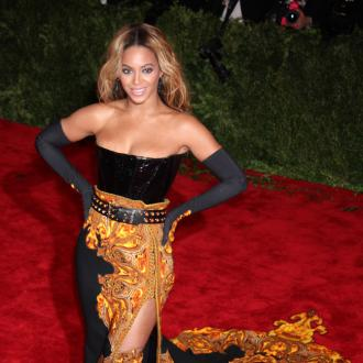 Beyoncé Named Sexiest Songstress By Victoria's Secret Models
