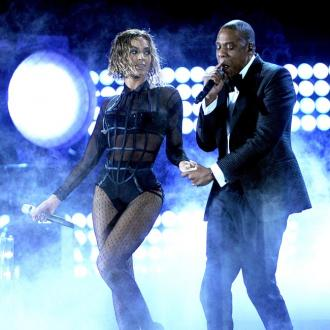 Beyonce joins Jay Z onstage