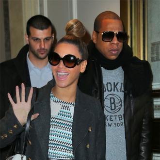 Jay Z Buys Promise Bracelet For Beyonce