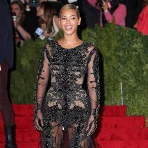 Beyonce's Fashion Disaster At Met Costume Institute Gala