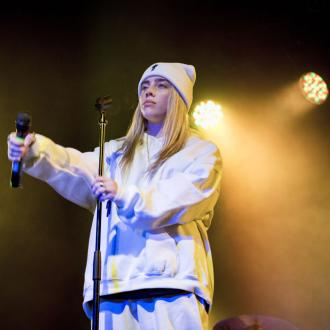 Billie Eilish delivers body shaming message at Miami concert
