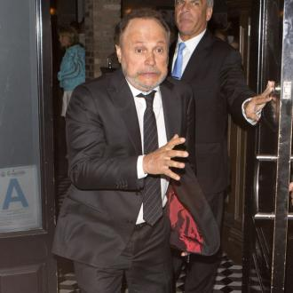 Billy Crystal questions the 'hostless Oscars'