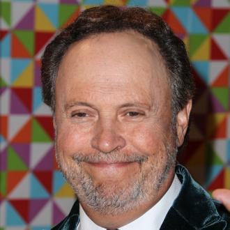 Billy Crystal breaks down at Robin Williams' memorial