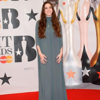 Birdy has 'a thing' for lint rollers