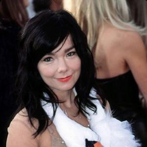 Björk Scary