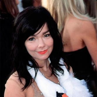 Bjork tackles sexism in music