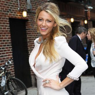 Blake Lively Gets Beauty Tips From Make-up Artists
