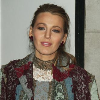Blake Lively Has A Mini Hair Salon In Her Car