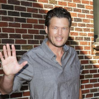 Blake Shelton fancies Adam Levine's wife?