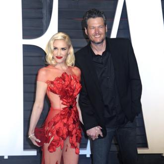 Blake Shelton joined on stage by Gwen Stefani