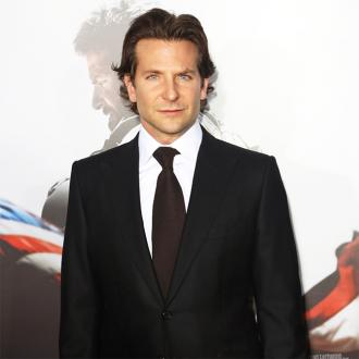 Bradley Cooper Shopping For Bachelor Pad
