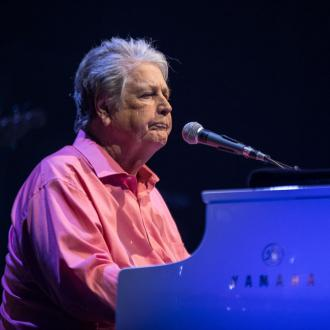 Brian Wilson pays tribute to guitarist Nicky Wonder